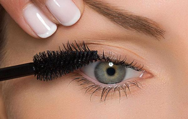 آموزش تصویری آرایش چشم و ریمل