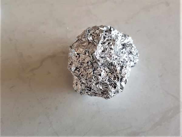 Scrunched up alfoil ball to clean the Scan N Cut blade
