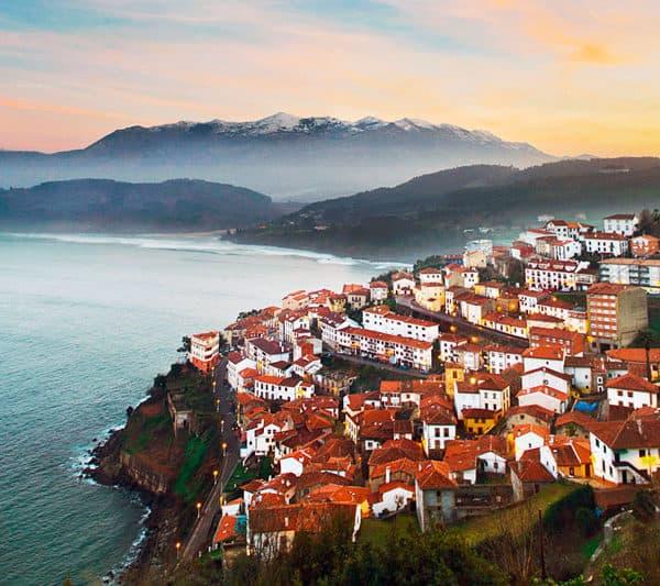 Excursión COLUNGA TIERRA Y MAR desde Asturias