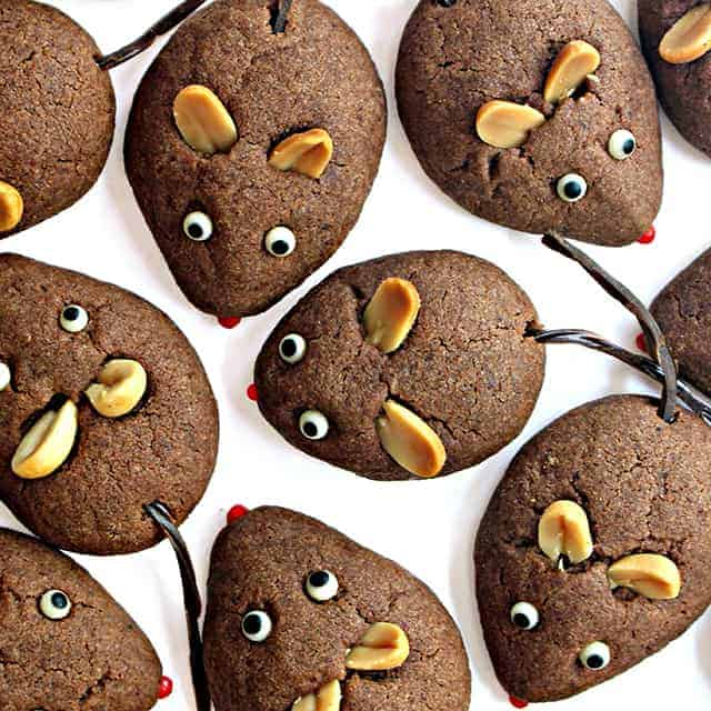 """Children's Book Read-and-Bake Series: Chocolate Cookie Mice for """"Frederick"""" by Leo Lionni"""