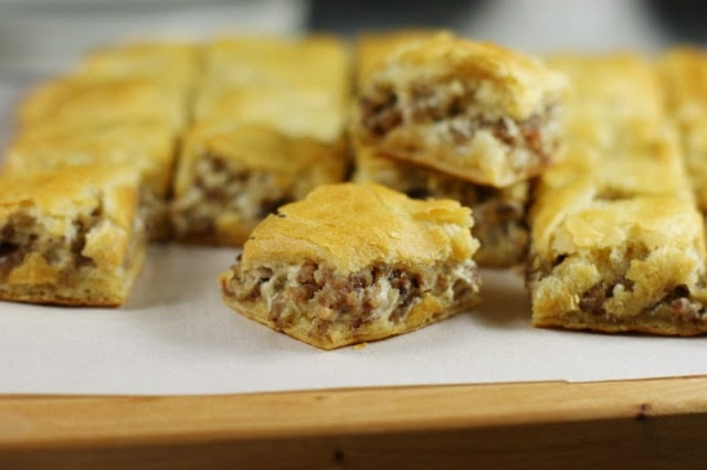 Who's ready for some tailgate recipes? These are perfect for sharing anytime of year!