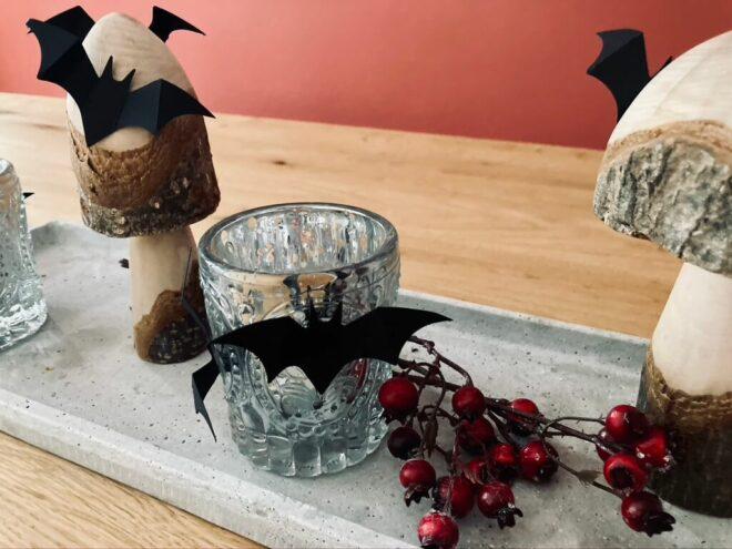 Fledermäuse als Tischdeko zu Halloween