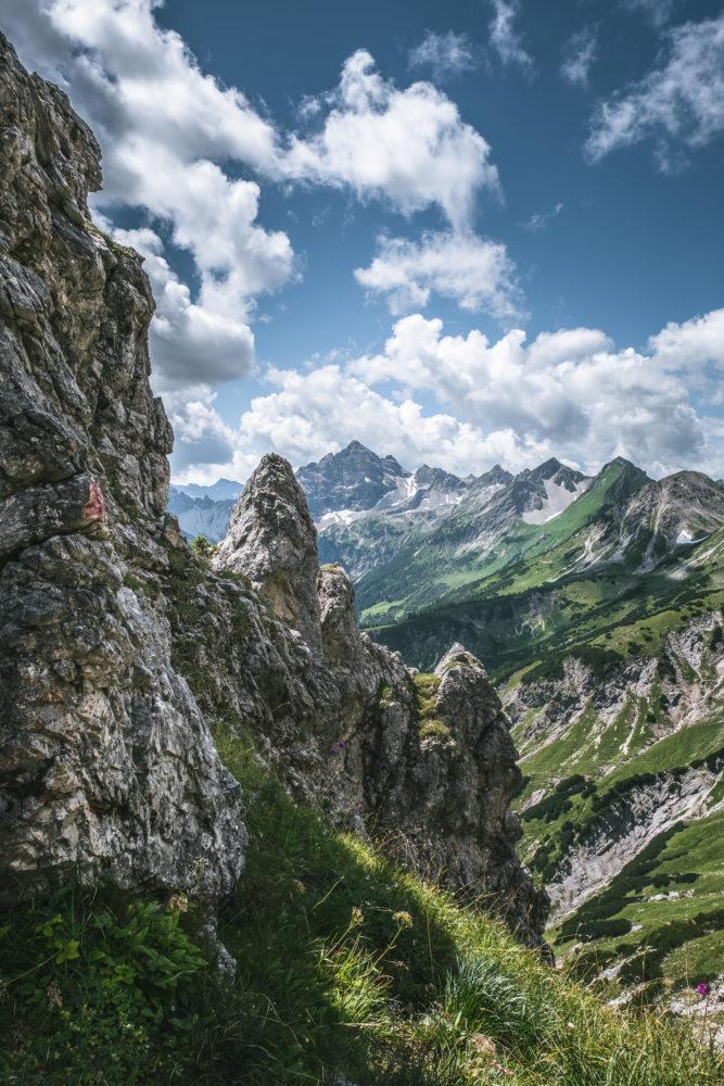 Schroffe Felsen im Allgäu am Jubiläumsweg