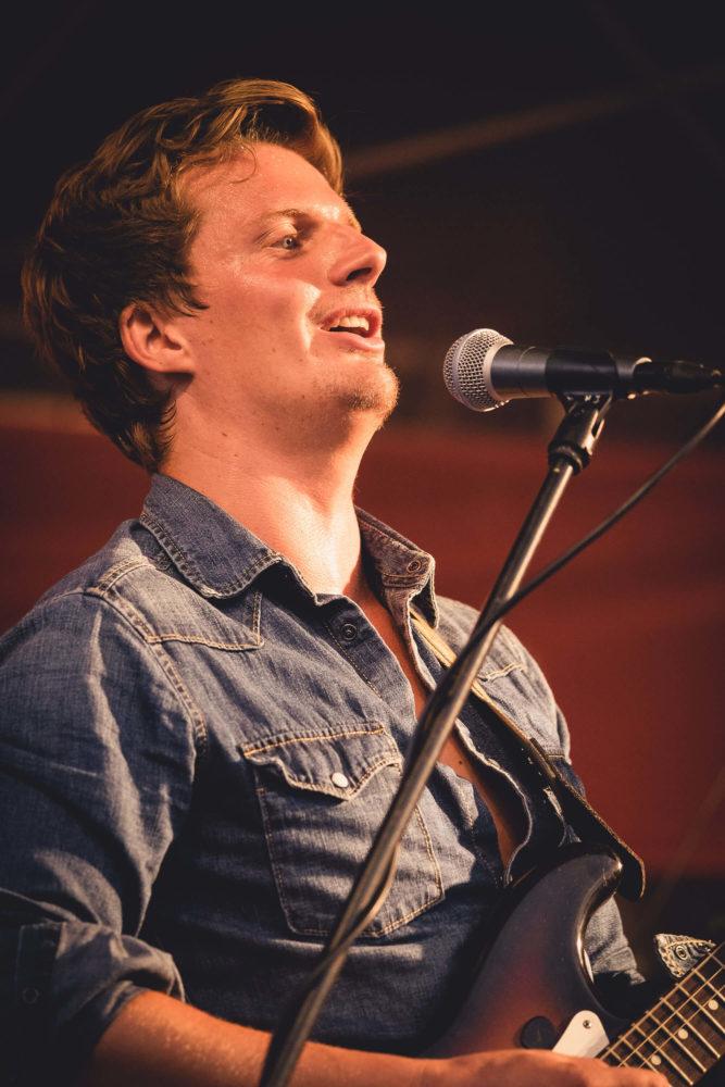 Georg Latz singt