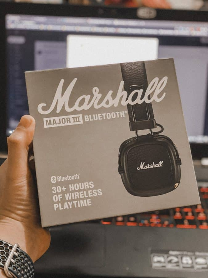 Marshal Major III Bluetooth Headphones box