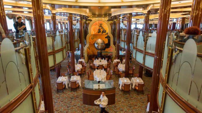 Das Britannia Restaurant mit der Weltkugel als Hingucker