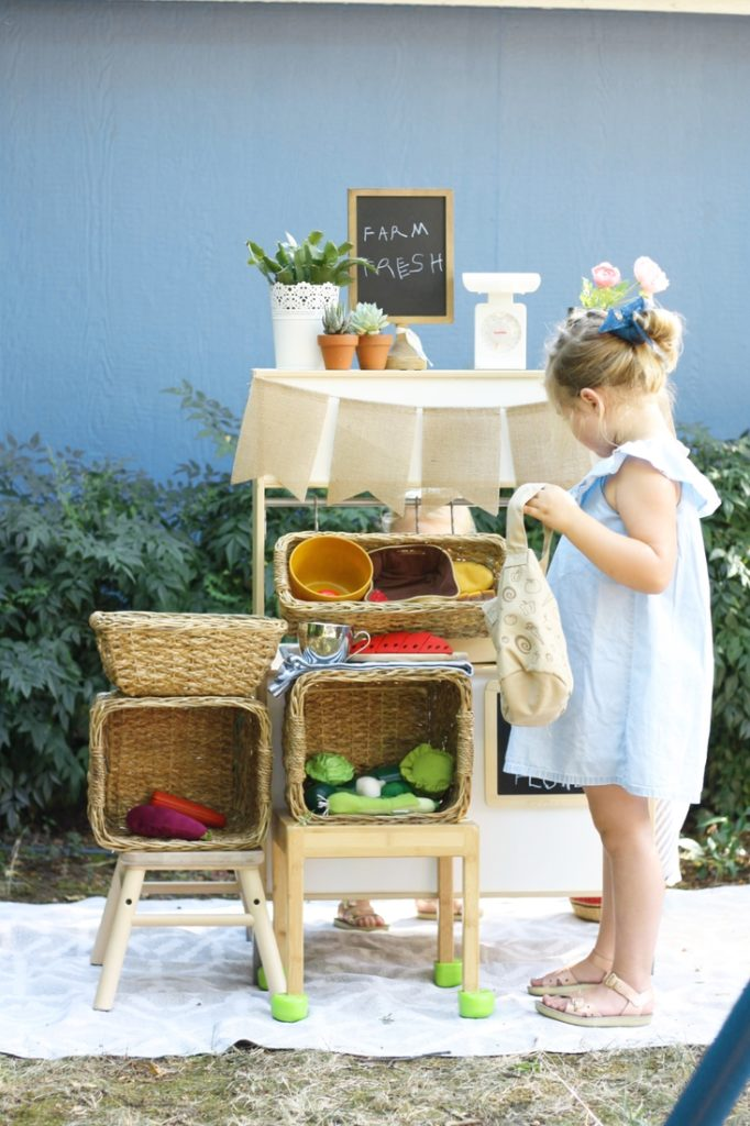 5000 Kids shopping farmers market WinterKids Blog