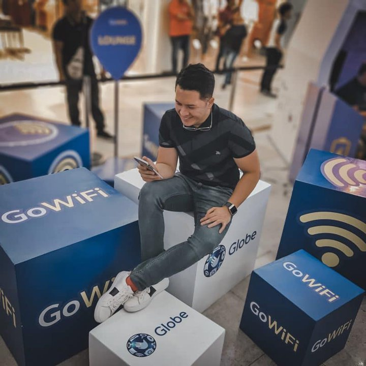 I can now enjoy Globe GoWiFi at The Araneta Center!