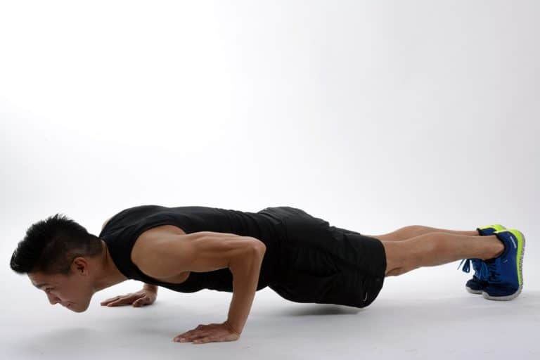 Rutina completa para entrenar torso en tu propia casa