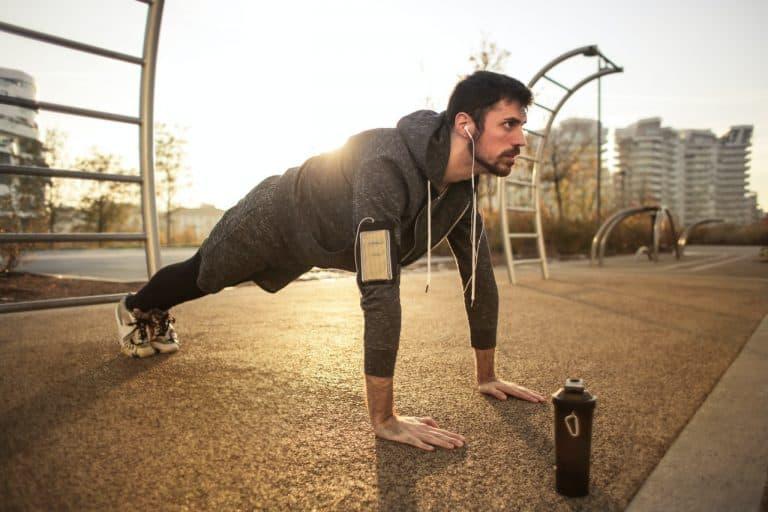 Mejores ejercicios de tríceps sólo con tu propio peso corporal