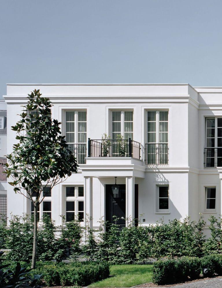 Düsseldorf-Oberkassel Quirinstrasse Gartenhaus rechts