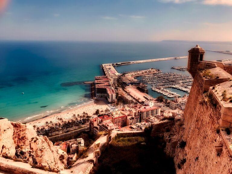 Ferie i Alicante – Læs Om Oplevelser i Alicante - Tapas, vin og hygge
