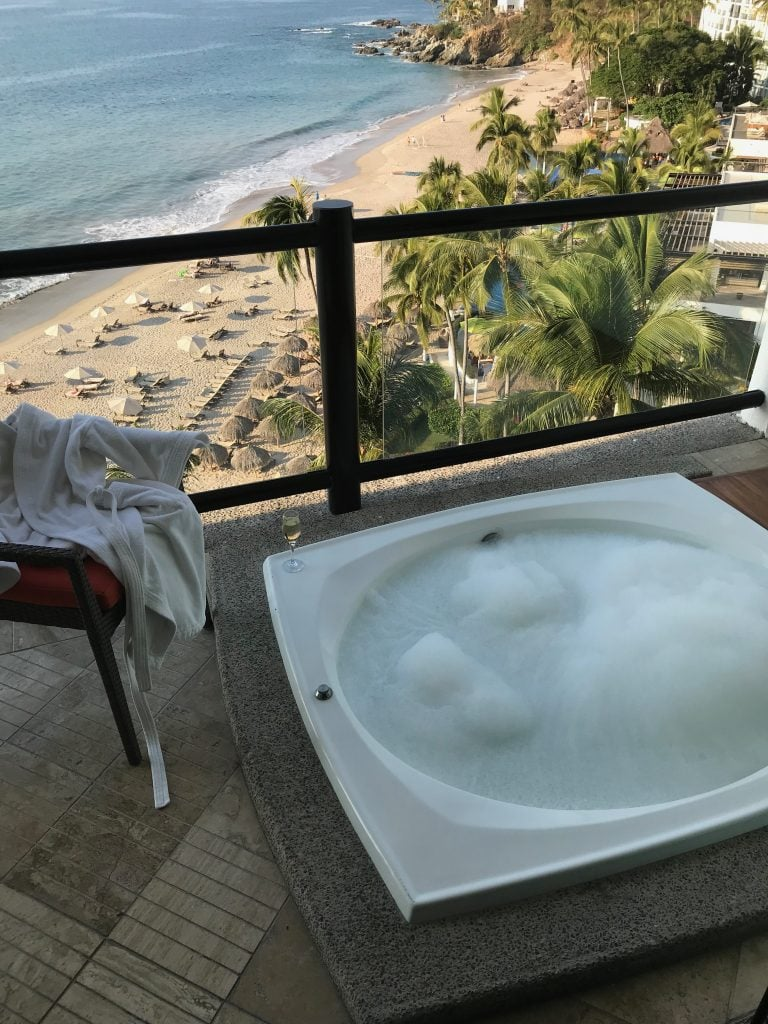Now that the holidays are over, it's time to look into that Puerto Vallarta all-inclusive family trip you've always dreamed about. My kids love to travel, and once they discovered all-inclusive, they were hooked.