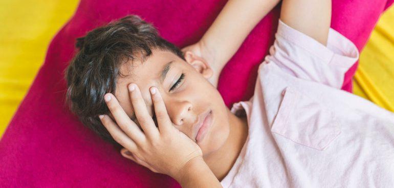 Dor de cabeça em crianças: por que acontece e como evitar?