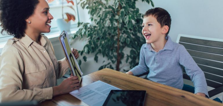 Autismo e hiperatividade: como lidar com essas condições?