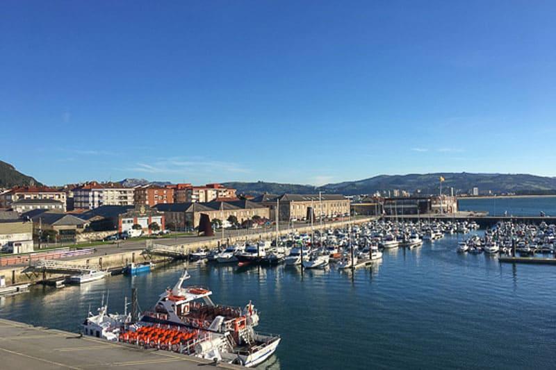 Excursión a Santoña puerto desde Asturias