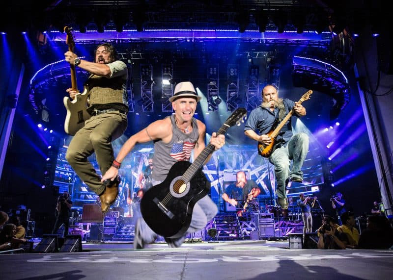 Participants Jam with Zac Brown Band for this Nashville green screen photography
