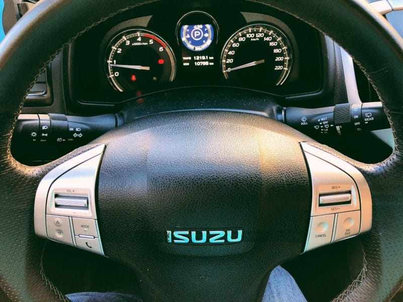 New Isuzu mu-X Euro 4 with Bluepower Diesel Engine