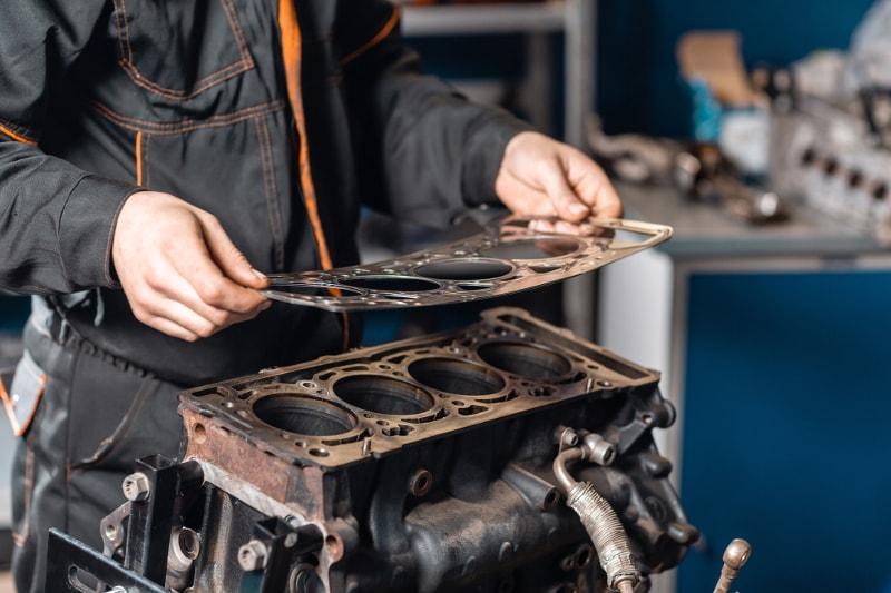 removing a head gasket from cylinder