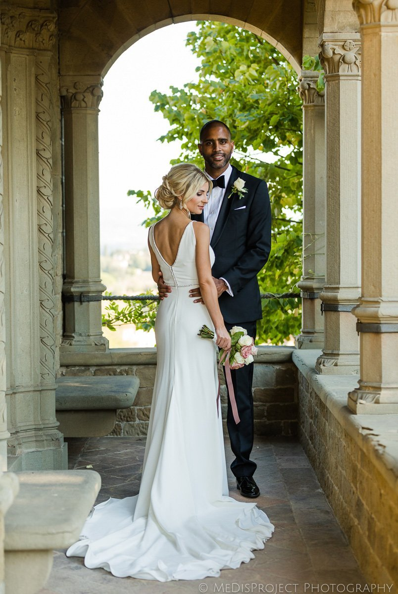 Bride and groom classical portrait in Italy