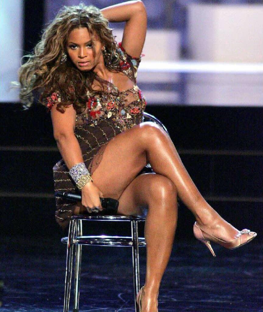 Beyonce beautiful legs