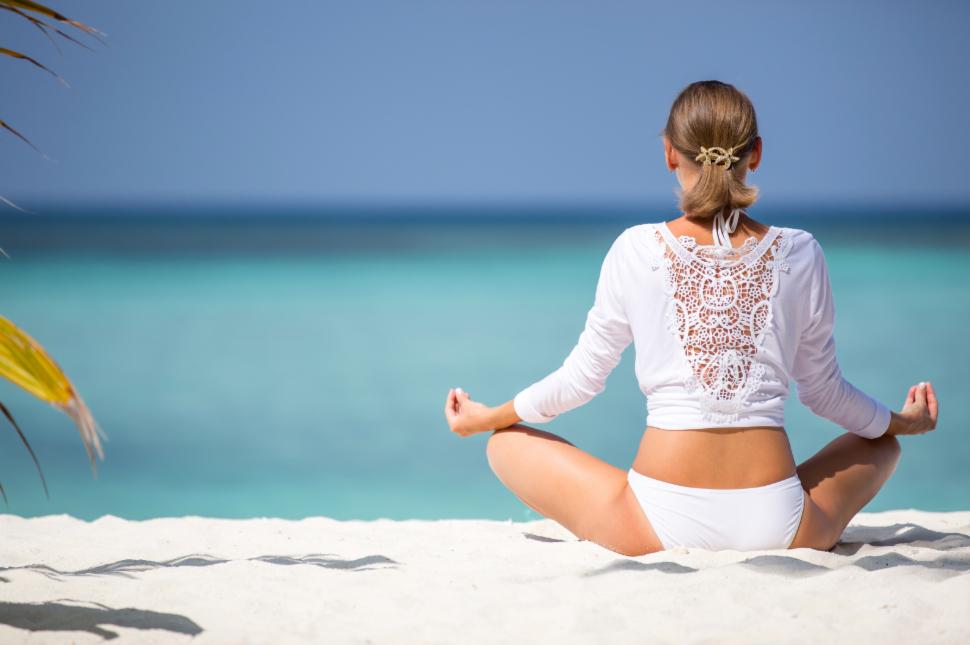 desert island yoga