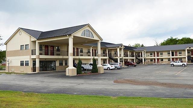 Hiway Inn Express of Atoka