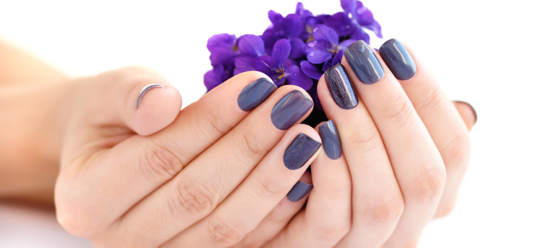 woman with healthy nails