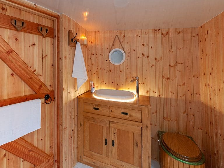 The bathroom & compostable toilet at Kelker Well Roundhouse near the Lake District