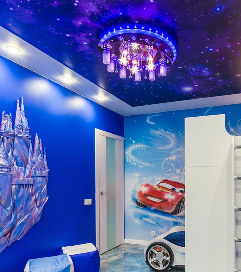 Натяжной потолок звездное небо в детской 12 м2 2
