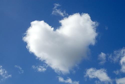 heart-shaped-cloud