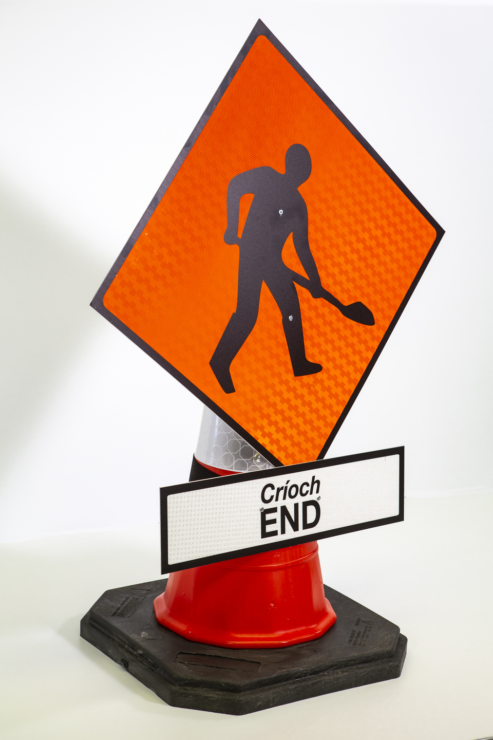 reflective cone-mounted signs - maw and plate