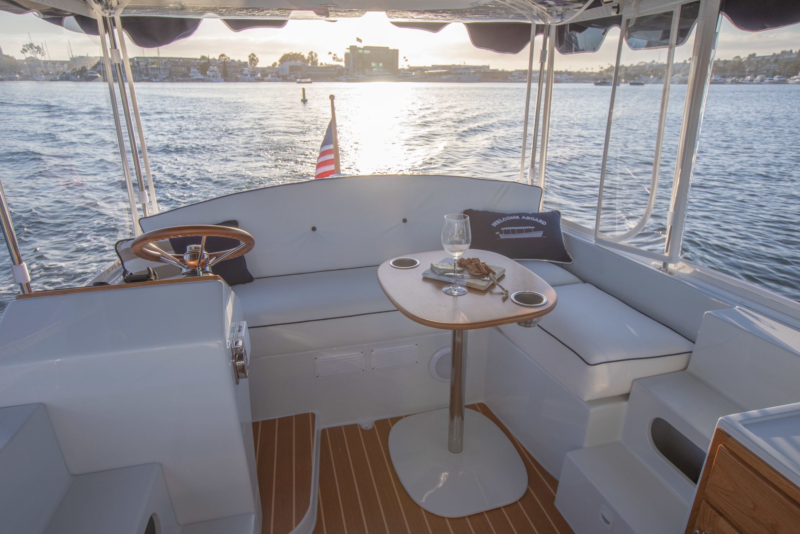 Duffy-Electric-Boats-18-Snug-Harbor-Interior-2020-8