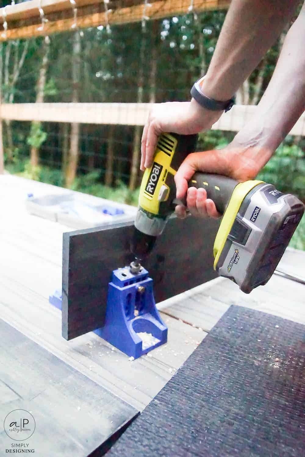 drill holes into boards with a kreg jig