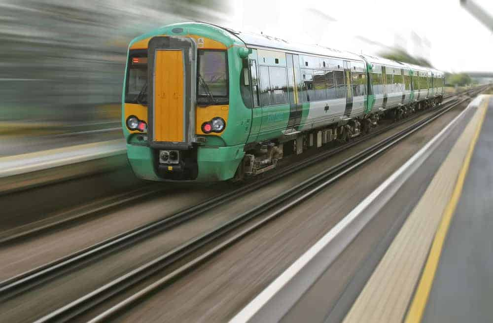 motion blur train Best Photography Tips for Beginners