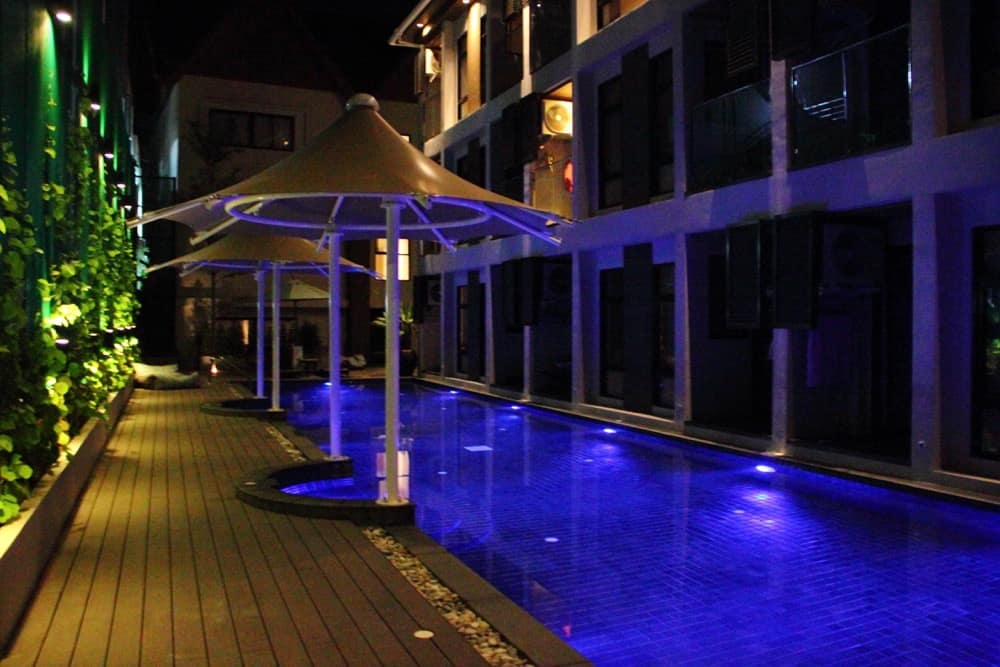 Manathai deluxe pool access room