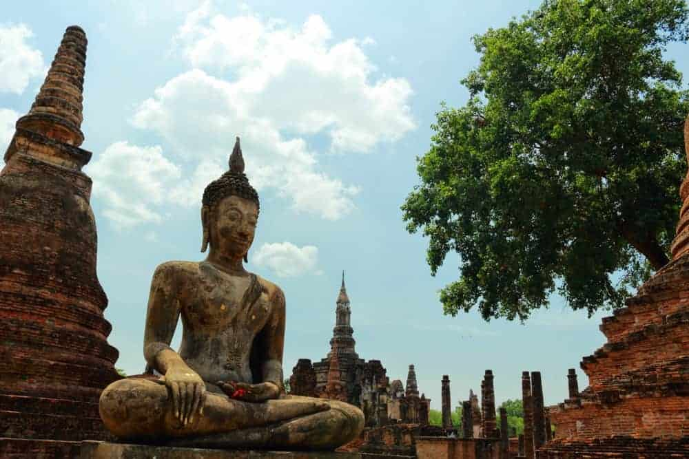 Want to take the best photos of Thailand? Head to Sukhothai Historical Park!