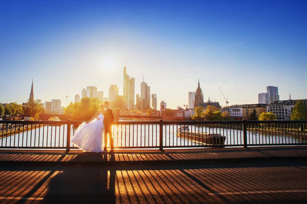 Antrag mit Blick auf Skyline