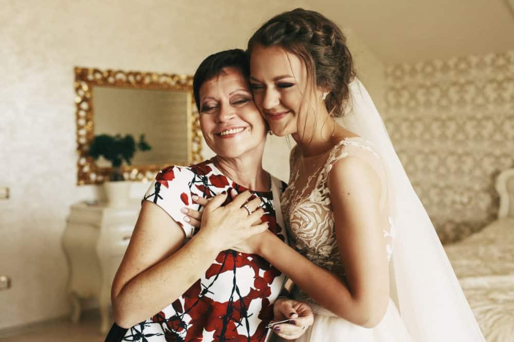 Getting Ready Hochzeit Braut brautmama