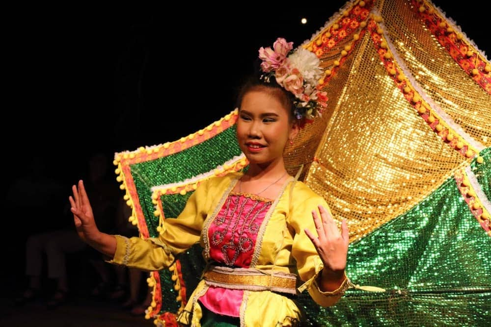 chiang-mai-old-curtular-center-traditional-dance3