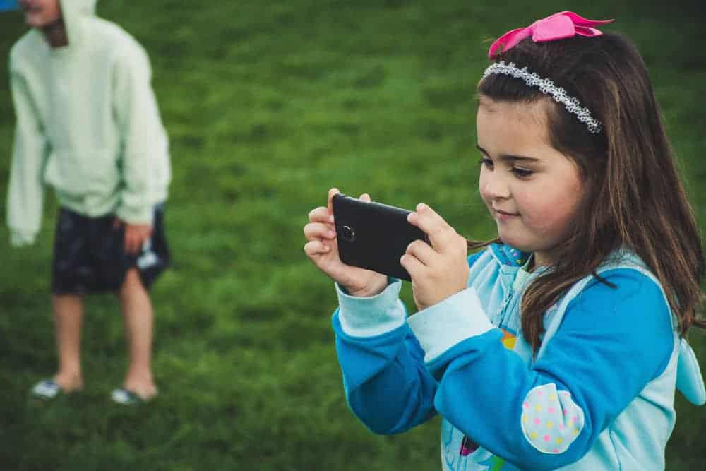 Provide kids with their own camera - Pixinfocus