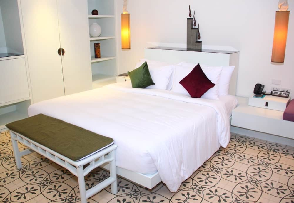Surin room Manathai Phuket