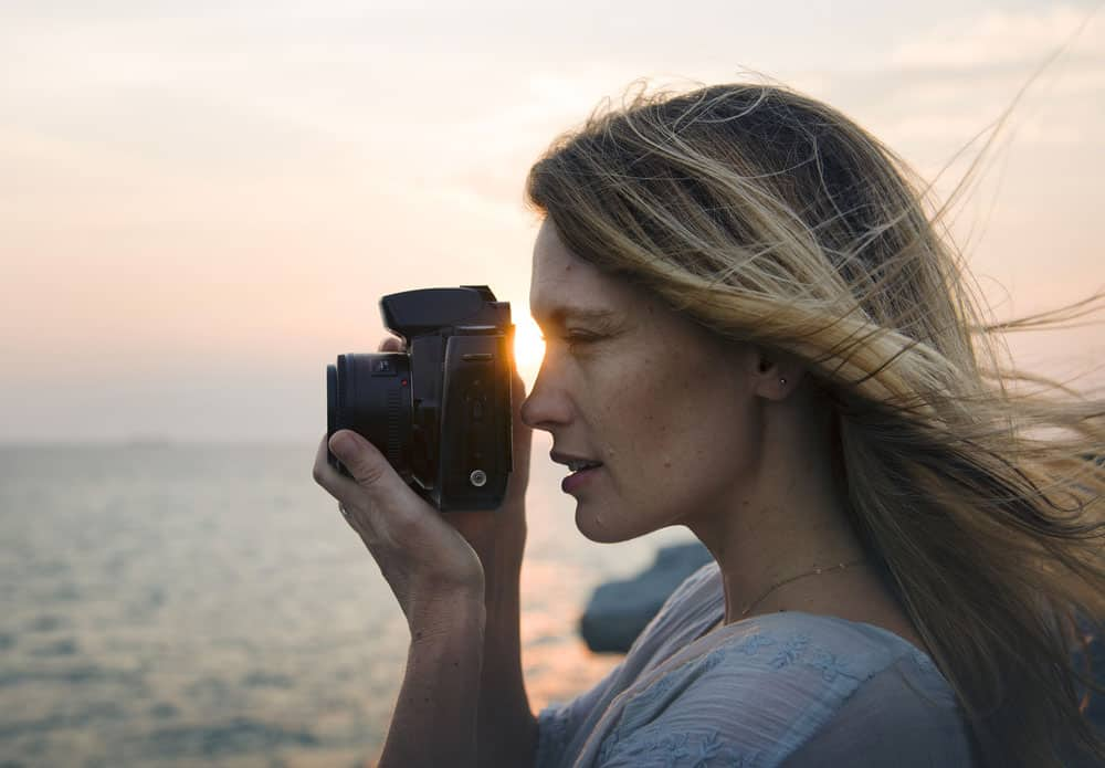 girl photographer Best Photography Tips for Beginners