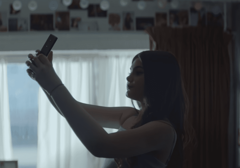 il marketing della bellezza nello spot dove reverse selfie