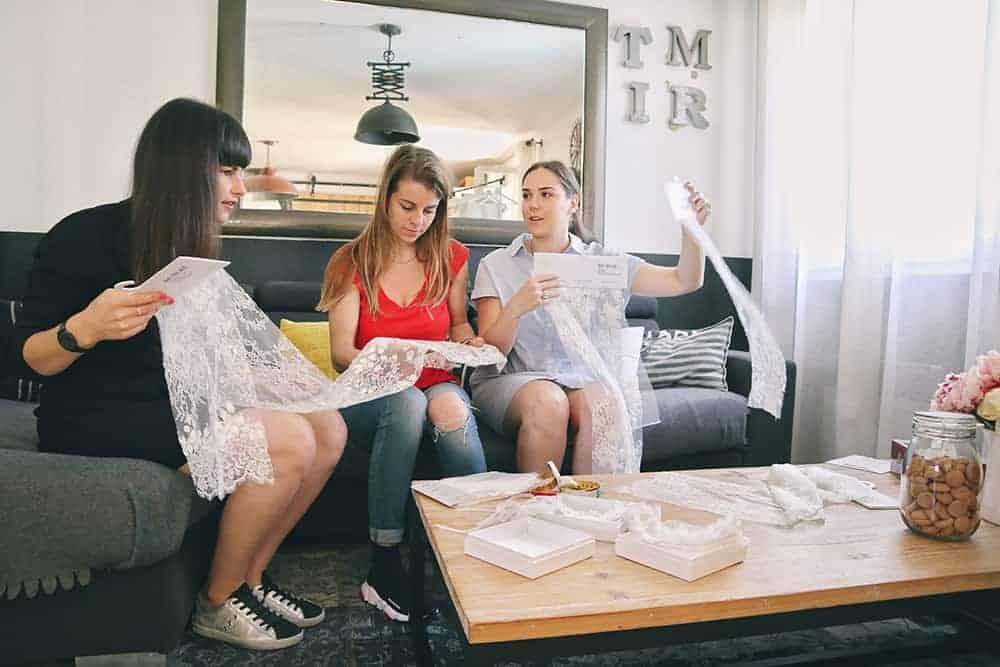 Robe de mariée à Marseille par Belle en soie Couture | Votre robe de mariée sur-mesure