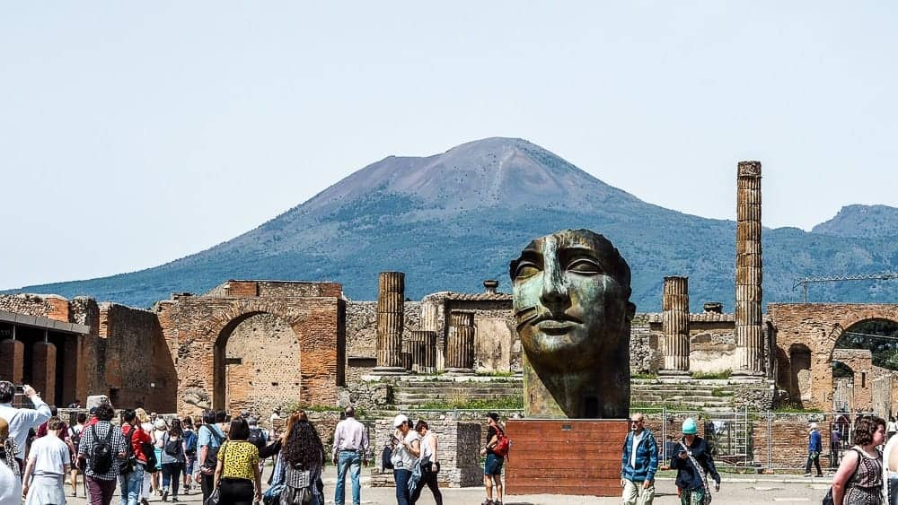 Backpacking Travel Around Europe By Train Itinerary For 2 Weeks - Pompeii