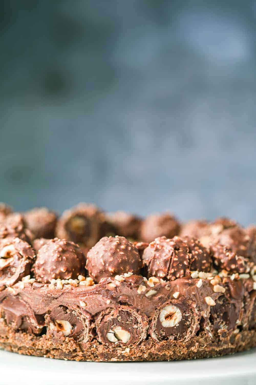 A no-bake cheesecake with a layer of Ferrero Rocher.