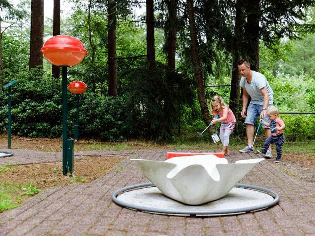 RCN Vakantiepark De Roggeberg Midgetgolfen