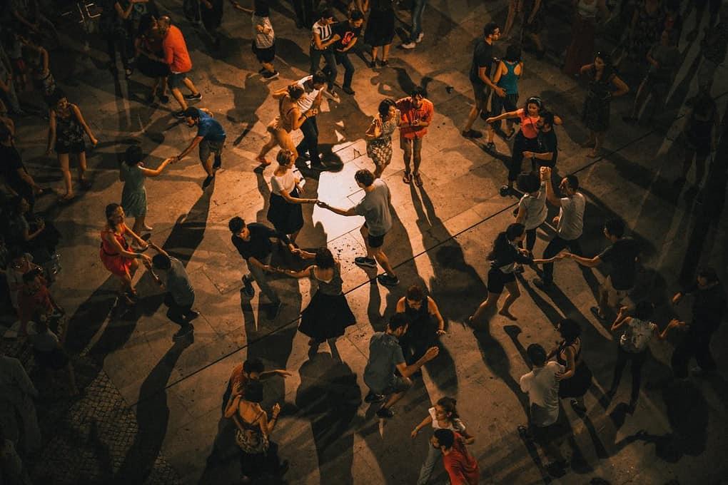 clase de bailes latino, salsa y bachata, residencia universitaria en malaga, Rut