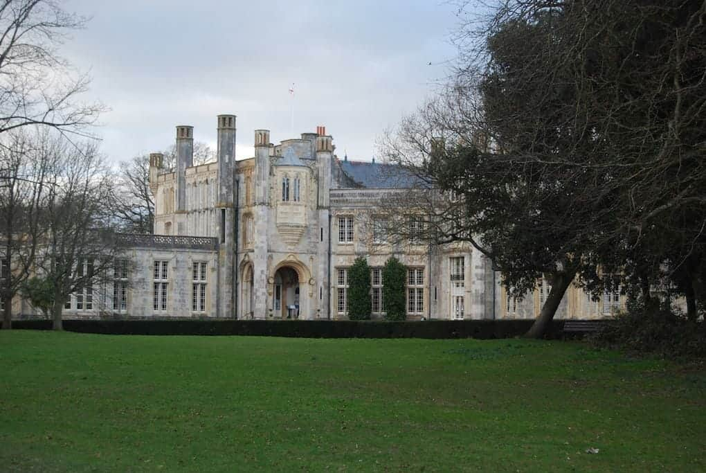 10-great-things-in-new-forest-highcliffe-castle